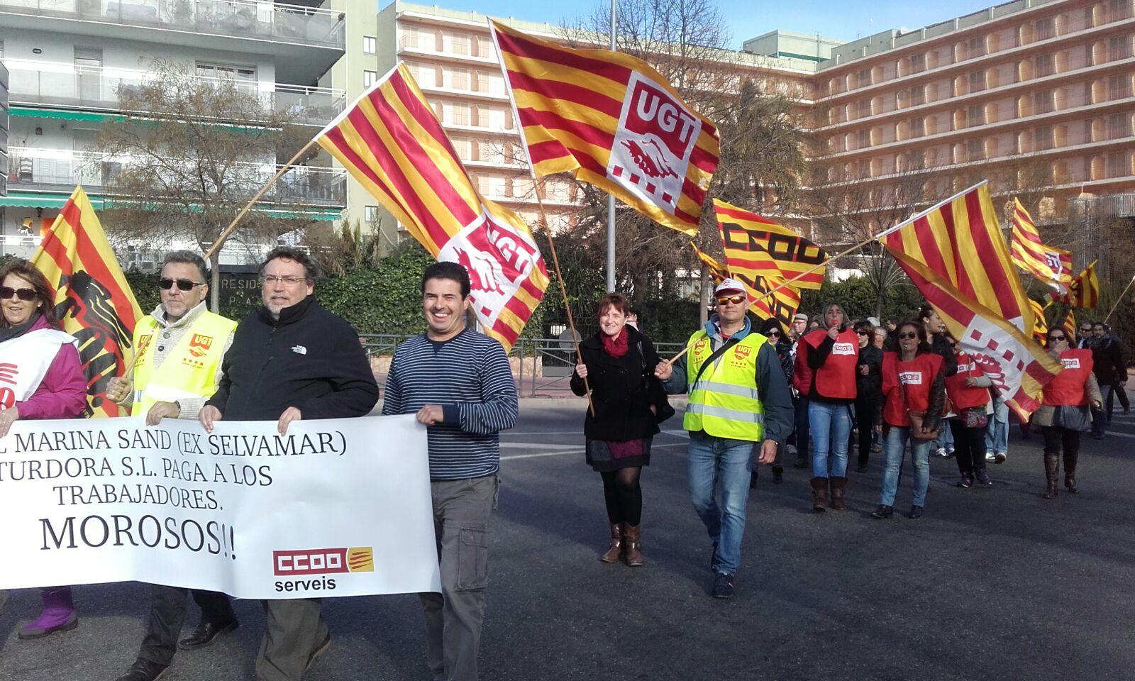 La mobilització va aplegar més d'un centenar de treballadors